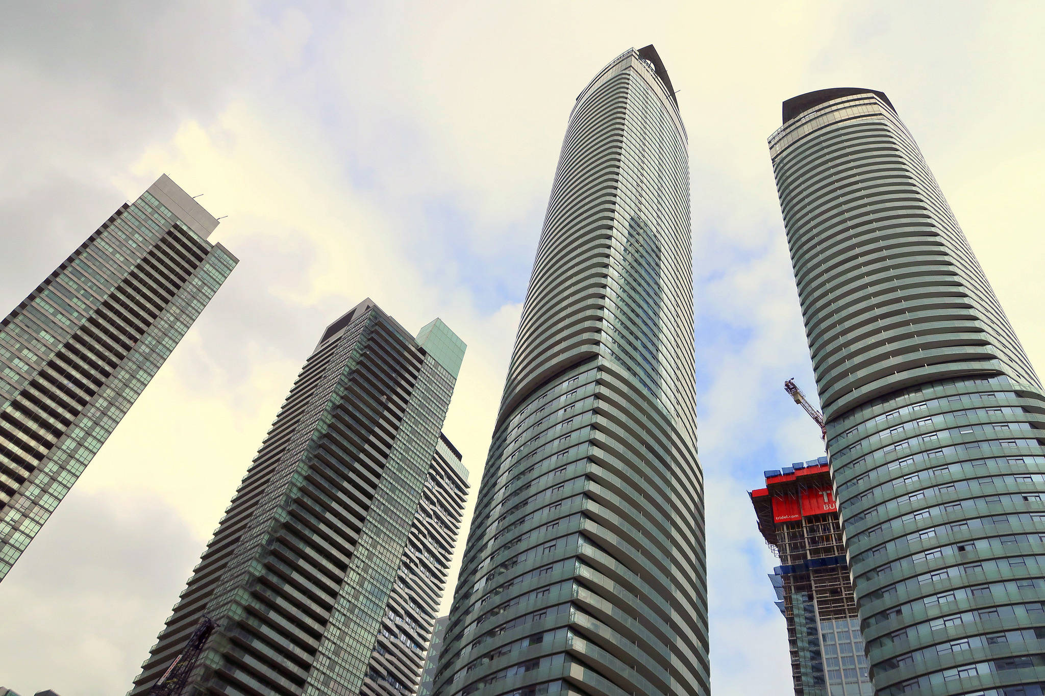Downtown Toronto condos are HOT, HOT, HOT!
